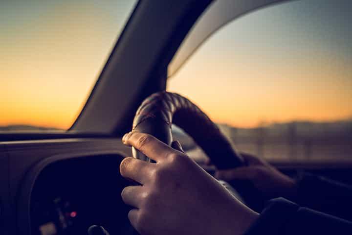 【男性にお>すすめの軽自動車】燃費やデザイン、タイプや性能で選ぶ人気の車種
