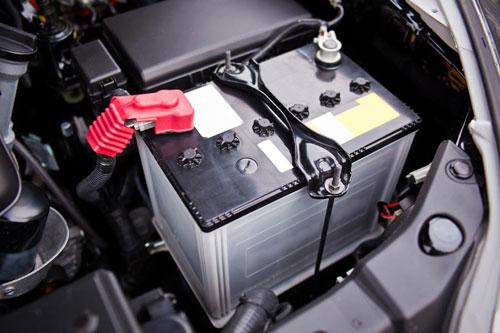 車のバッテリーの役割