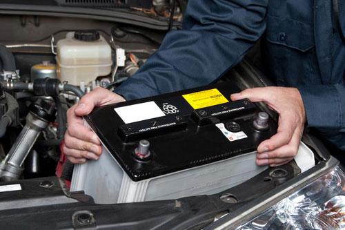 車のバッテリーは定期的な交換が必要