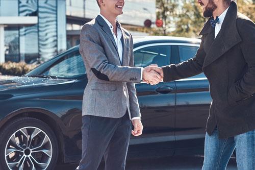 名義変更そのものは自動車税が未納でも可能です
