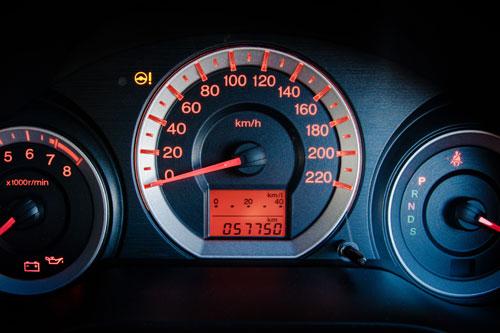 年間走行距離が多いと保険料は高い