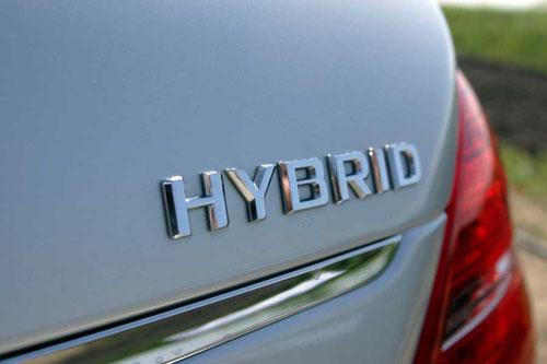 ハイブリッド車もガソリン車も車検の諸費用は変わりないとされています