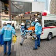 交通事故で同乗者が負傷した場合は任意の自動車保険で補償されるのか?