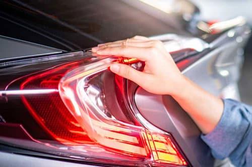 車の整備でライト点検は必要